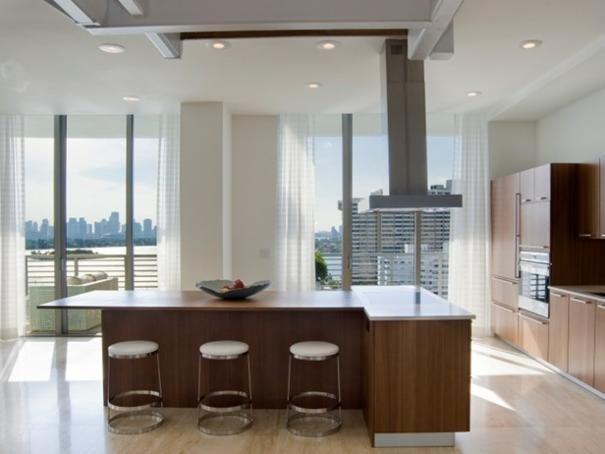Photo of White Contemporary Kitchen project in Miami Beach, FL by Sojo Design