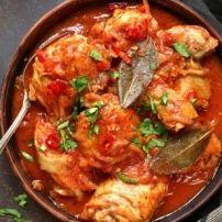 U weet het vast wel. Wat wij in Nederland Goulash noemen is in Hongarije eigenlijk soep (Gulyas). Wat wij Goulash noemen, de stoofpot, heet daar Pörkölt....