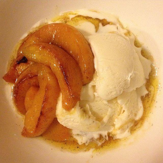 Roasted some Hawkes bay peaches in butter, brown sugar, lemon juice & a whole vanilla pod. Eaten with @woodenspoonfreezery vanilla ice cream. #sohappyrightnow #Autumn #weekendeats #dessertsathome