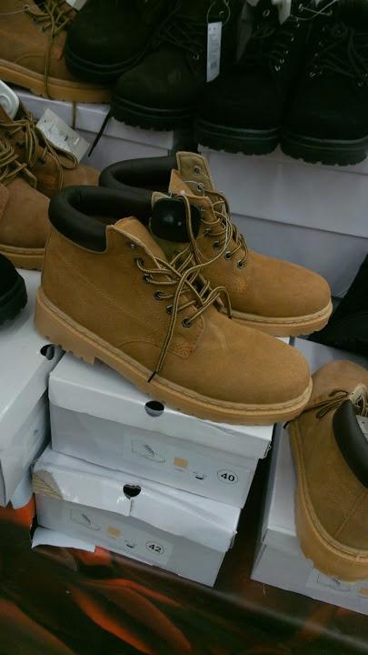 Пример фото обуви на Asus Padfone - http://keddr.com/2012/10/obzor-asus-padfone/