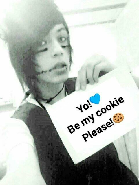 First I wrote it on the paper,but soon.. I saw.. my camera is a shit,so I think it's better. Good night cookies! Mechlin Rómeó #emo #emoboy #boy #emohair #hair #cookie #emos #emomakeup #makeup
