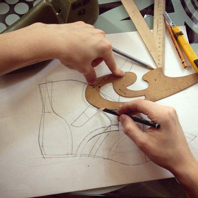 Чертёж обуви. Процесс создания обуви. .
