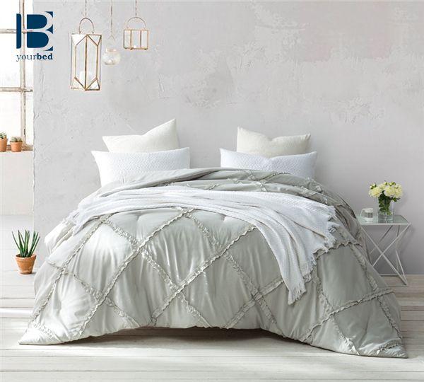 The 25+ best Ruffled comforter ideas on Pinterest | White ...