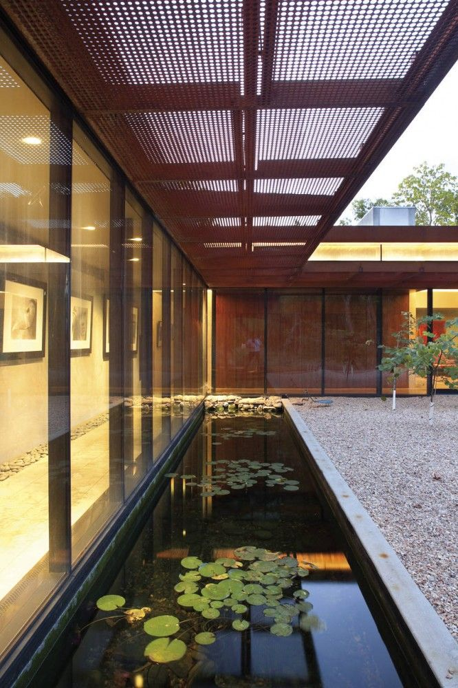 Exterior aspect of the Heavy Metal House in Missouri, USA by Hufft Projects