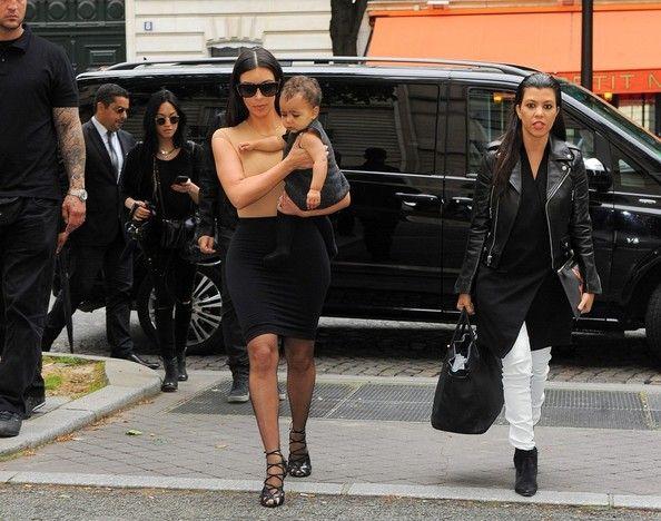 Kim Kardashian Photos - Kim Kardashian and North Out in Paris - Zimbio