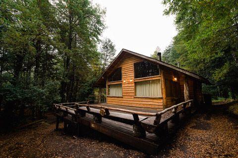 Cuando se trata del diseño de una casa pequeña rústica los materiales de construcción elegidos y la forma de emplearlos son los que logran una vivienda acogedora y original, ahora nos inspiraremos …
