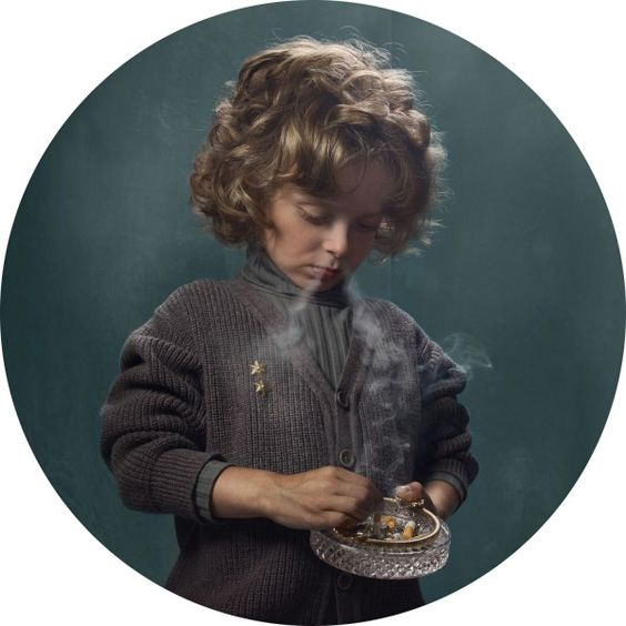 frieke janssens – smoking kids