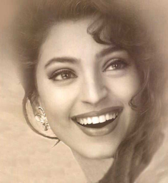 Juhi Chawla :  The quintessential girl-next-door of Bollywood !