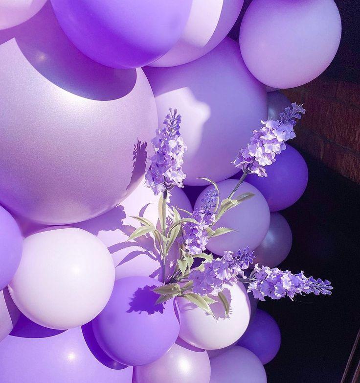 """B A L L O O N H I V E (@balloonhive) posted on Instagram: """"All the lilac's 💜 . . . #bespoke #bespokeballoons #balloongarland #luxury #luxuryballoons #customballoons #balloonideas #balloonartist…"""" • Sep 13, 2020 at 5:02pm UTC"""