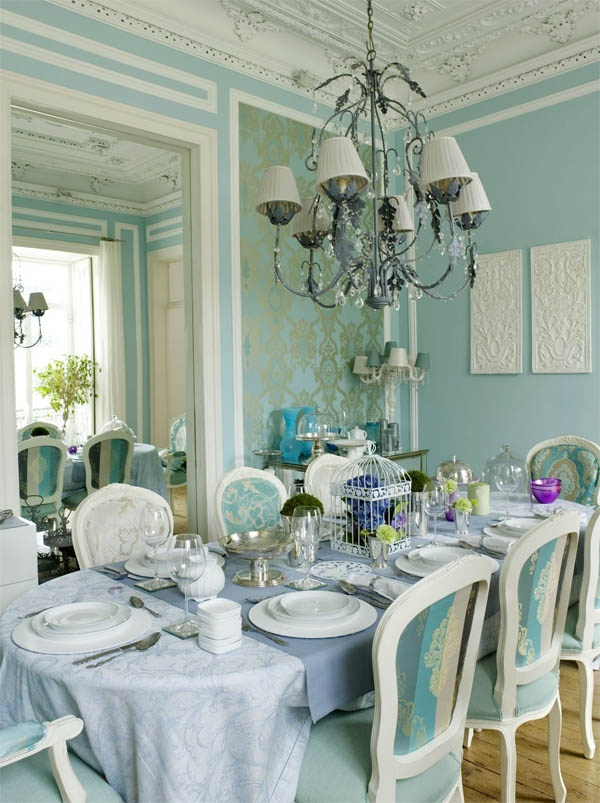 Best 25 aqua dining rooms ideas on pinterest blue for Light blue dining room ideas