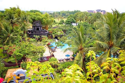 Convenient location: Situated on the scenic northwestern outskirts of downtown Yogyakarta, the hotel offers an idyllic p...