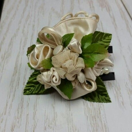 15 best wedding centerpieces etc designed by independence flowers corsage made from mothers vintage dress mothers wedding dresseswedding centerpiecesvintage junglespirit Choice Image