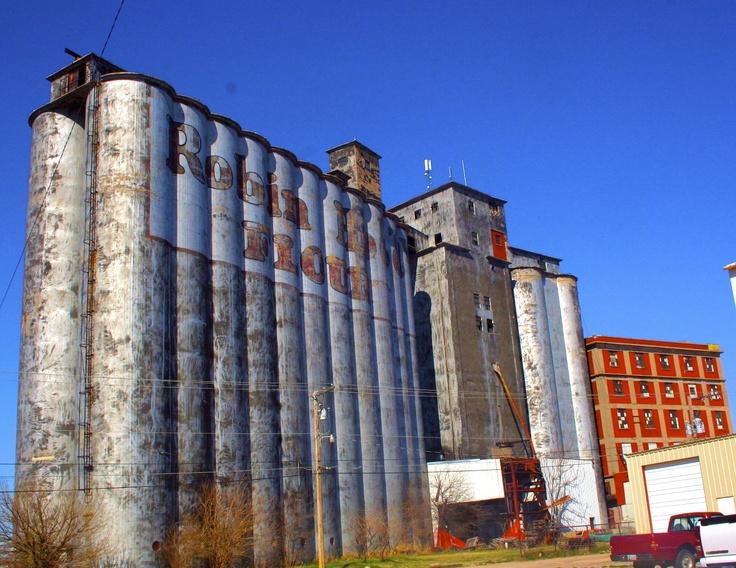 Robin Hood Grain Elevator - Ponca City, OKOklahoma Life, Boomer Sooners, Neighbor Oklahoma, Aka Oki, Grains Elevator, Hoods Grains, Hey Neighbor, Cement Plants, Oki Pride
