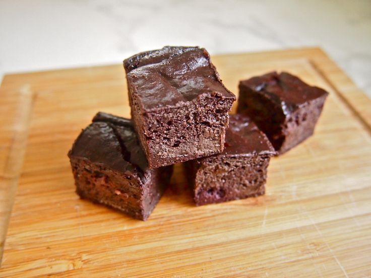 Avocado Brownies #HungryCub