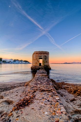 Cap d'Antibes Dawn (by resolution06)  Stone & Living - Immobilier de prestige - Résidentiel & Investissement // Stone & Living - Prestige estate agency - Residential & Investment www.stoneandliving.com