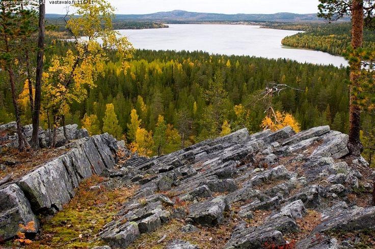 Aittakuru - ruska Aittakuru Lappi maisema kallio  vesi Pyhätunturi syksy luonto