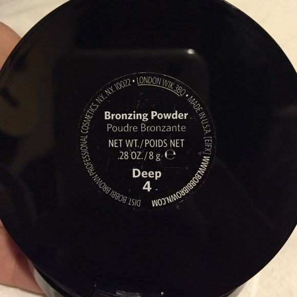 "Bobbi Brown Bronzer  The color is ""Deep"" and the color number is ""4"" it's brand new and the only thing I've done to the product was touch it with my finger lightly. The bronzer itself is new though (: it's been sitting in my make up box so it has scratches but no damage at all (: Bobbi Brown Makeup Bronzer"
