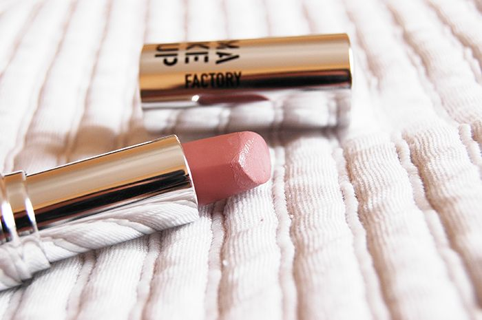 Fotografia by www.electricvanilla.net  #makeup #makeupfactory #nude #lipstick