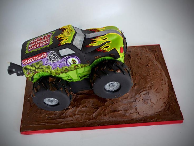 Grave Digger Monster Truck by http://www.veryuniquecakes.com