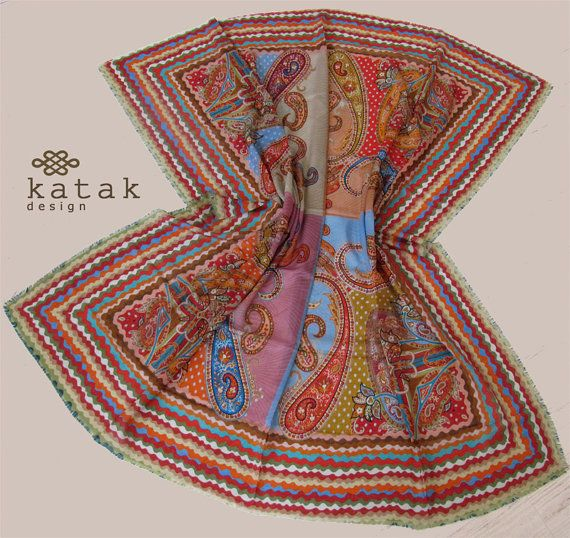 Pañuelo cuadrado de fina lana y seda con estampado por katakdesign