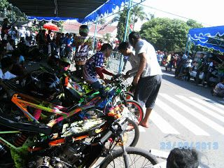 dragrace yogyakarta http://modif-trend.blogspot.com/2013/08/dragrace-motor-jogja-wonosari.html