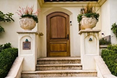 Create the look of a wooden door with faux painting techniques.