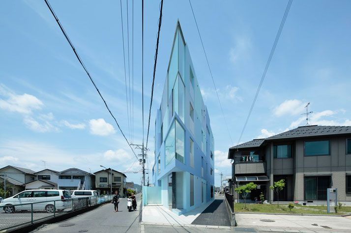 on the corner [the flatiron of the east - japan] - eastern design office.