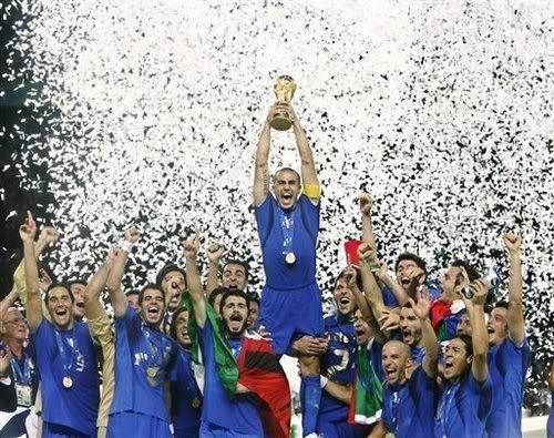 Campioni del mondo 2006. E adesso, ne vogliamo un'altra! :) #italia #calcio #brasile2014 #mondiali