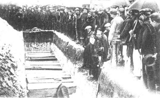 On this day 10 March 1906 the Catastrophe de Courrières occurred in France: the worst mining disaster of the 20th century in which 1060 workers were killed in a coal dust explosion. 45000 miners subsequently went on strike for 55 days against horrific working conditions and the government brought in the army to crush the strike. . . . #history #tdih #onthisday #peopleshistory #radicalhistory #laborhistory #OtD #thisdayinhistory #France #miners #disasters #strikes