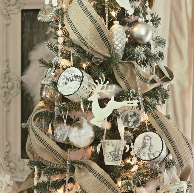 The 25+ best Lace christmas tree ideas on Pinterest | Burlap ...