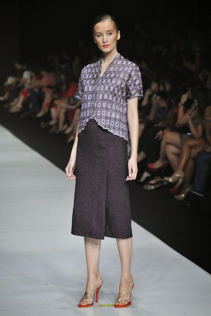 Jakarta Fashion Week 2014 : I Am Indonesian By Oscar Lawalata For Yayasan Jantung Indonesia ~ Glowlicious Me
