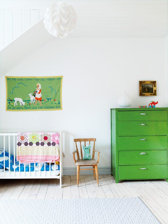 green dresser // Scandinavian Retreat: Swedish home in LandskronaKids Spaces, Kids Room, Kelly Green, Baby Room, Child Bedrooms, Green Dressers, Chest Of Drawers, White Wall, White Room