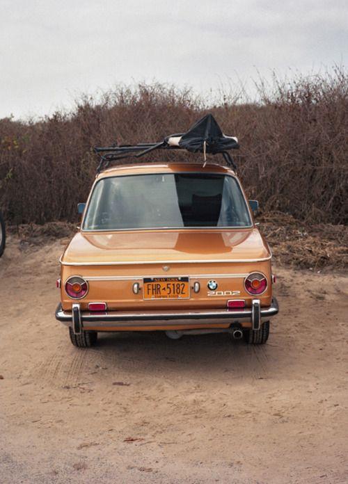 Round tailit 2002. [ Gosh, I miss my little orange BMW 2002! ]