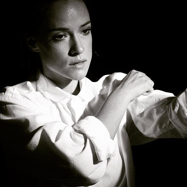 Gorgeous Alicja Bachleda-Curus *************** @alicjabc @sylwiamakeup @studiolas #beautyfulwoman #bella #photoshoot #polishactress #photography #fashionphotography #beautyfulwoman #whiteshirt #bnw #portrait