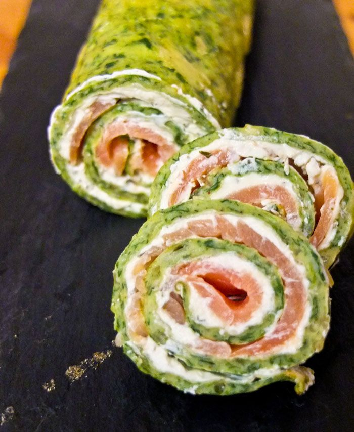 Use Google Translate... spinach rollups with a handmade rollup