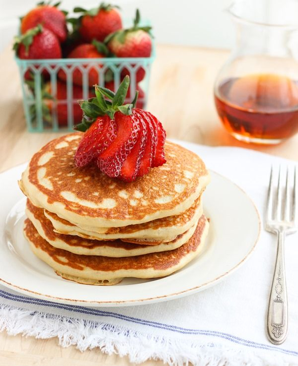 Quinoa Greek Yogurt Pancakes: the lightest and fluffiest gluten-free pancakes you can imagine!