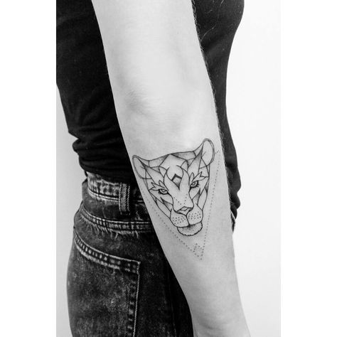 best 25 small lion tattoo ideas on pinterest small leo. Black Bedroom Furniture Sets. Home Design Ideas