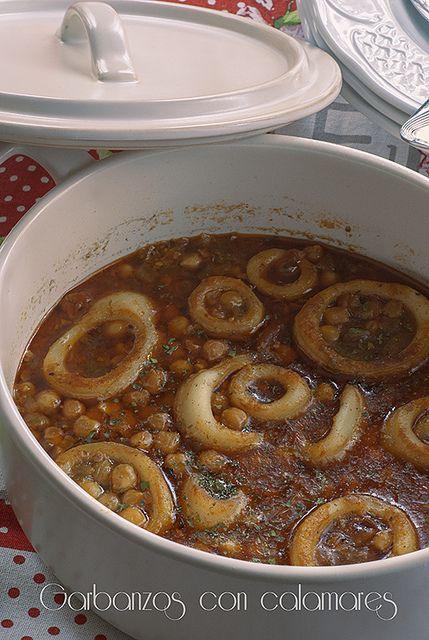 Garbanzos con calamares by cocido de sopa, via Flickr