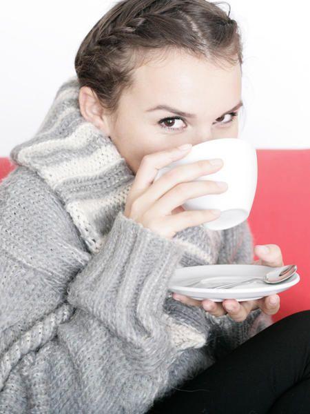 Tee ist und bleibt das beste Hausmittel gegen Halsschmerzen.