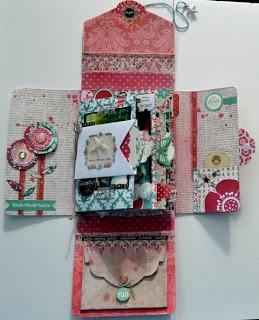 A Mini Album In A Box . Tutorial by Jenny Dahlqvist (original