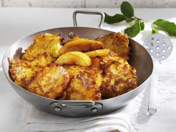 Apfel-Kartoffel-Küchlein | http://eatsmarter.de/rezepte/apfel-kartoffel-kuechlein