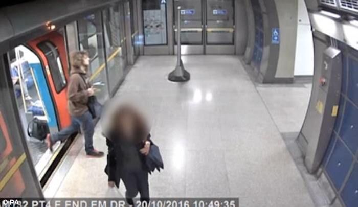 London: Muslim leaves ball-bearing bomb on train, casually walks away to attend lecture