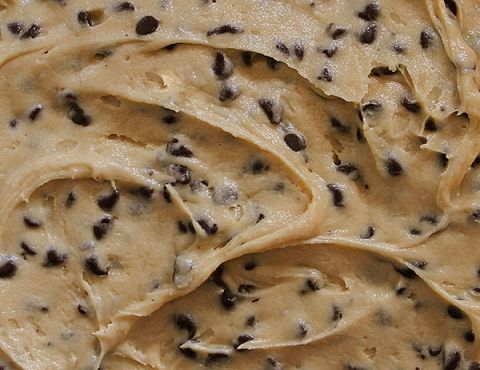 Creamy Cookie Dough Frosting (No Egg!) - I don't know why I am pinning this as it is ridiculously unhealthy.