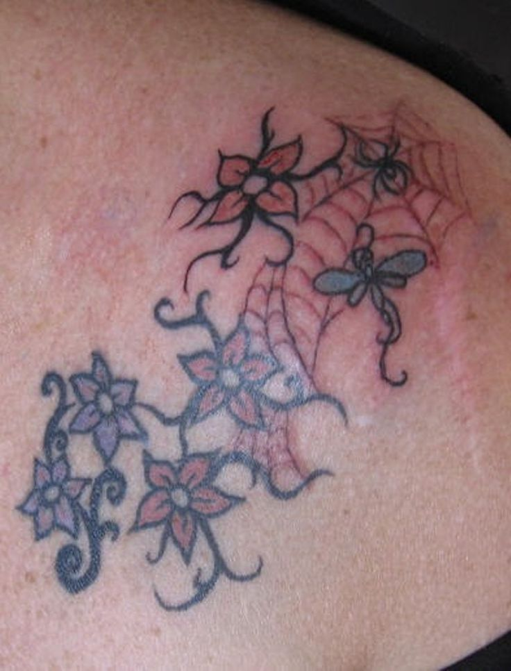 83 Wonderful Flowers Shoulder Tattoos