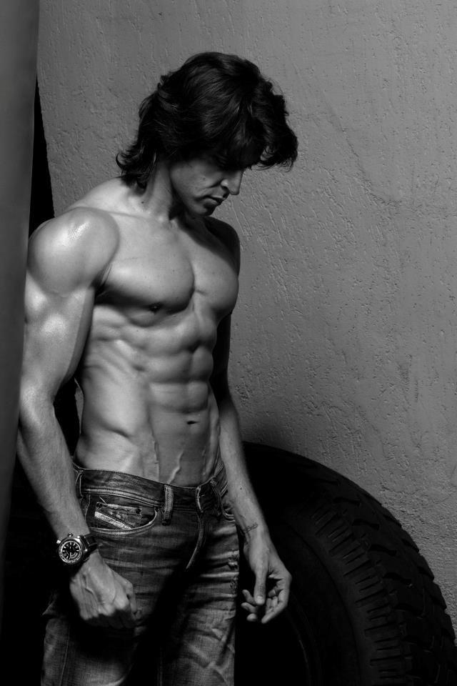 Hrithik Roshan <3 haha I like his.. HAIR. In this one.. ;)