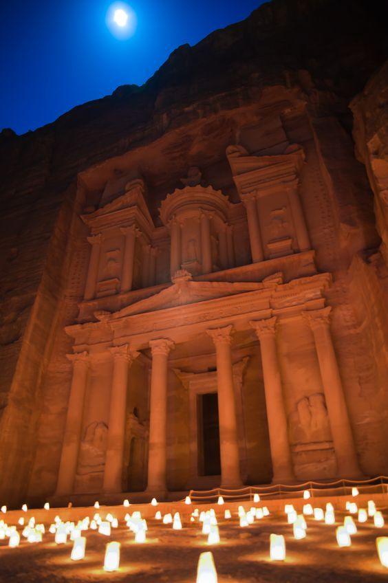 #Ancient #Petra, #Jordan http://en.directrooms.com/hotels/country/3-47/