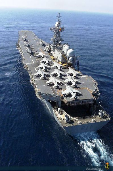 Spanish Navy carrier Principe de Asturias                                                                                                                                                                                 Más