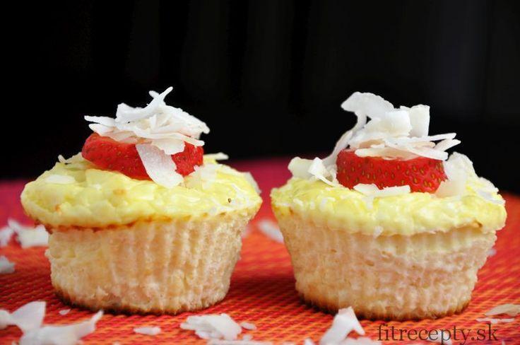 Super šťavnaté kokosové muffiny bez múky - FitRecepty