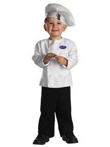 thanks god entramos en un acuerdo no Thomas costume (which I think hideous) I prefer a chef costume, and he like it