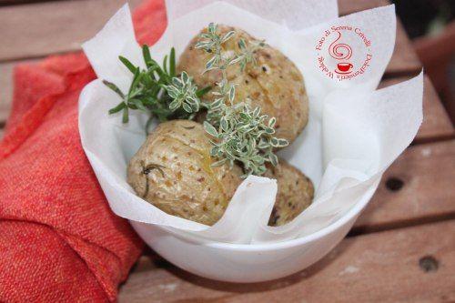 http://www.donnesulweb.it/il-blog-di-serena-crivelli-dolci-pensieri/patate-al-microonde.html PATATE AL MICROONDE (14)+